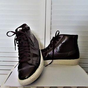 Nike burgundy high top sport shoes 7.5
